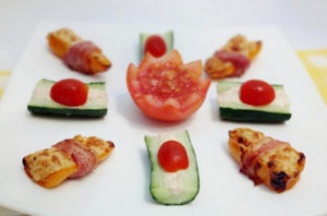 Stuffed Mini Pepper Snacks with Philadelphia Cheese and Tuna