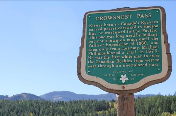 Crowsnest Pass description