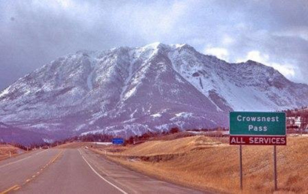 crowsnest pass single men Crowsnest pass alberta, hi on here looking for conversation, friends very busy mom, but do like to get out and watch a movie and have a nice dinner.