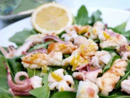 Grilled Calamari Salad Recipe with Rocket Leaves