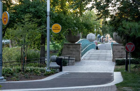 Indianapolis cultural trail bridge